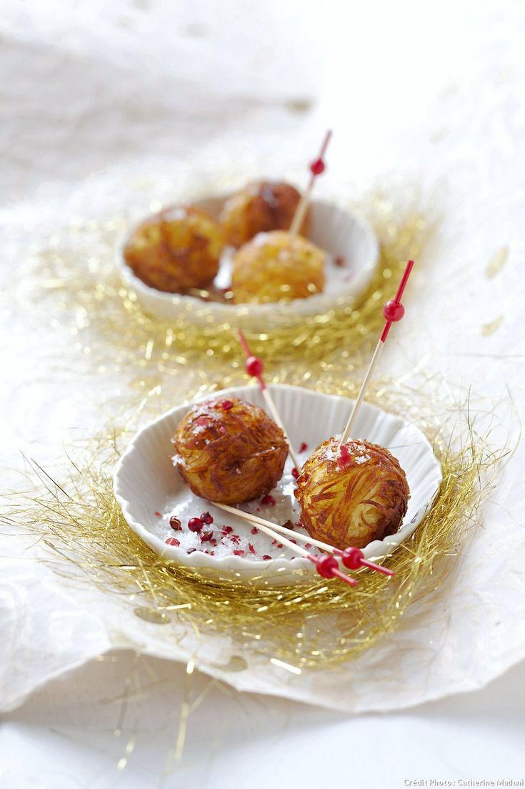 Nids de pommes de terre au coeur de foie gras - Une bouchée fondante qui se mange avec les doigts - Regal.fr !
