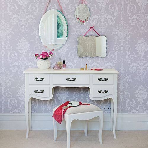 Need to make this for Sara..we have the bottom piece we just need some mirrors...maybe a zebra print chair..