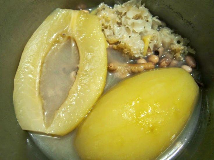 YKY enjoys cooking: Fissler 高速煲 - 青木瓜花生眉豆雞腳雪耳湯