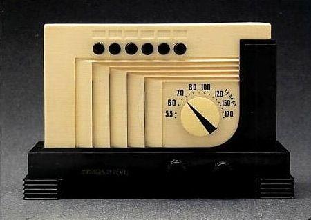 Art Deco radio.