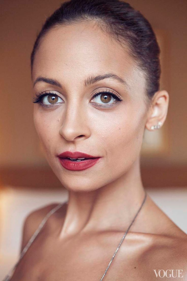 Photo Diaries: Getting Ready for the CFDA Awards with Nicole Richie - Vogue Daily - Fashion and Beauty News and Features