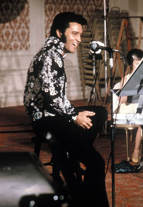 My favorite Elvis era is the early 70s. He was so handsome and seemed genuinely happy with life. <3