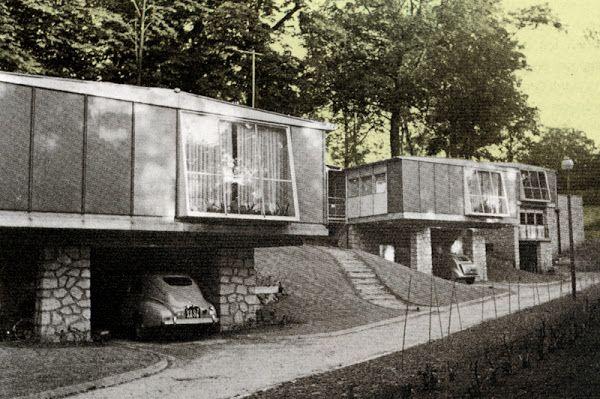"""Meudon -  14 maisons industrialisées Jean Prouvé  8 pavillons """"Métropole"""" et 6 pavillons """"Coques""""  Route des Gardes, à la limite de Meudon et de Sèvres.  Architecte: André Sive  Réalisation: Jean Prouvé  Construction de 1950 à 1952"""