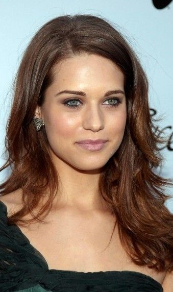 Lyndsy Fonseca Plastic Surgery Before and After - http://www.celebritysizes.com/lyndsy-fonseca-plastic-surgery-before-after/