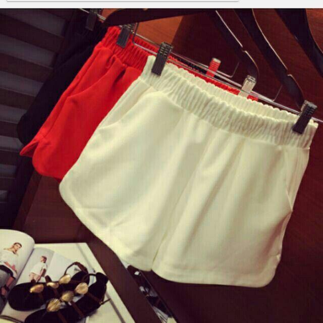 (手工测量误差1-3厘米)  颜色:黑色 白色 红色  基础必备短裤  三色可选