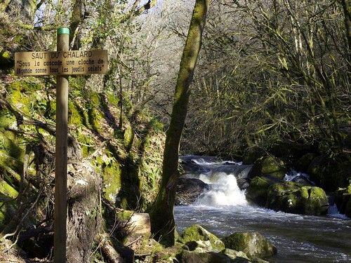 une jolie #cascade dans le #Périgord #Vert #Dordogne
