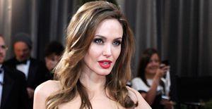 Angelina Jolie receberá Oscar honorário por seu trabalho humanitário - Vencedora de um Oscar, Angelina Jolie receberá o Prêmio Humanitário Jean Hersholt da Academia de Artes e Ciências Cinematográficas