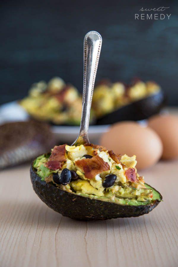 Avocado + Hummus Breakfast Bowls by sweet-remedy #Avocado #Hummus #Healthy