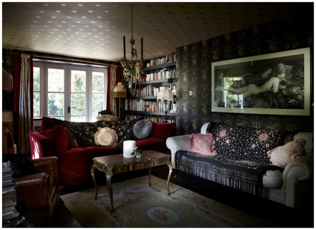 Pearl Lowe house