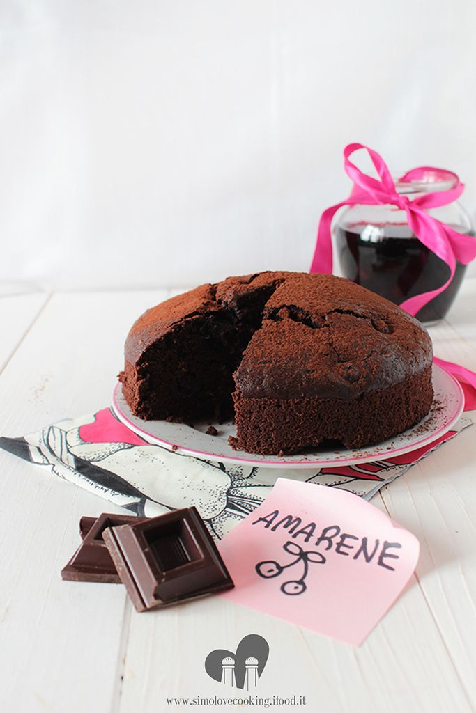 torta vegan al cacao e amarene