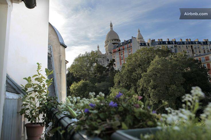 VIEW on EIFFEL TOWER & SACRE-COEUR in Paris