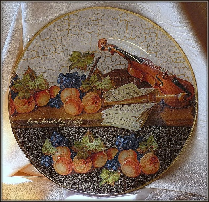 amazing #decoupage! that's what I call unbelievable skills!