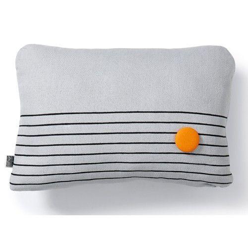 coussin radio design letters bouton orange