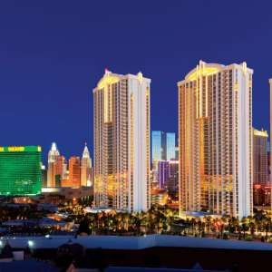 The Signature Suites at MGM Grand are steps from the Strip & feature studio-style accommodations with kitchenettes.