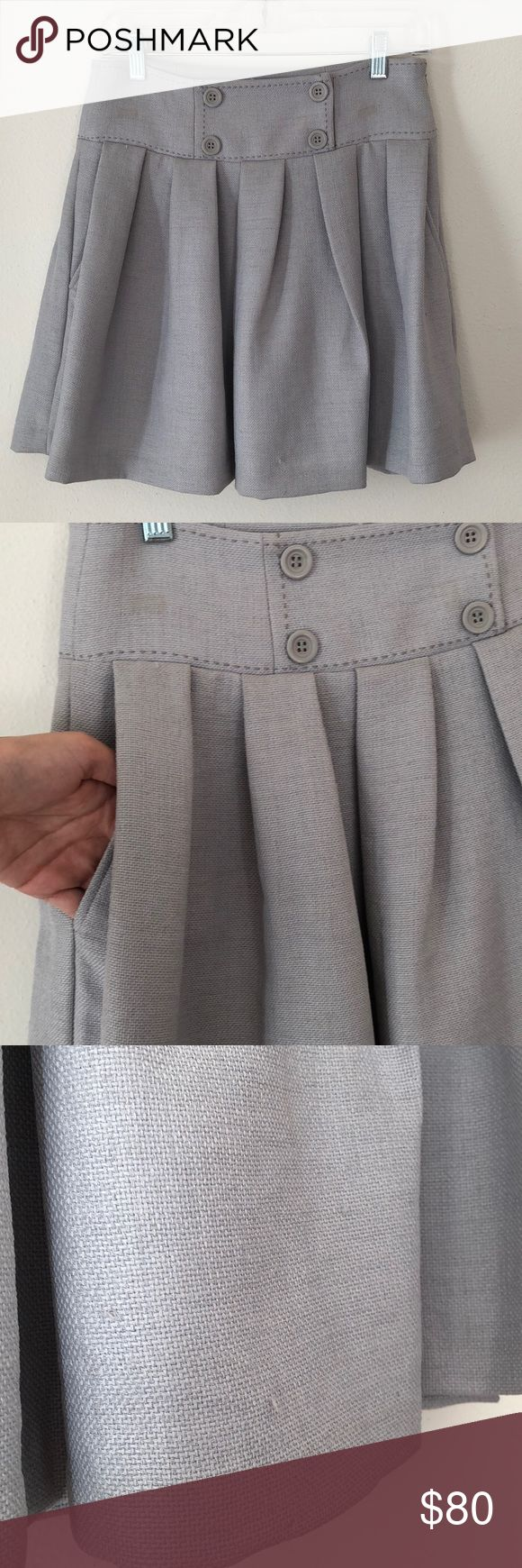 BCBG Generation grey skirt Perfect work skirt this offers functional pockets and a side zipper closure. BCBGeneration Skirts Midi