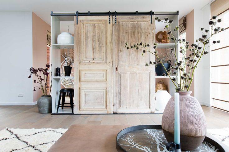TV kast bij Sjoerd en Cassandra uit aflevering 3, seizoen 5 | Weer verliefd op je huis | Make-over door: Marianne Luning | Fotografie Barbara Kieboom