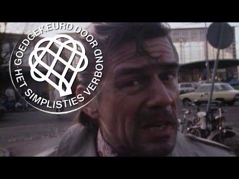 De Vieze Man koopt een slipje - Van Kooten en De Bie - YouTube