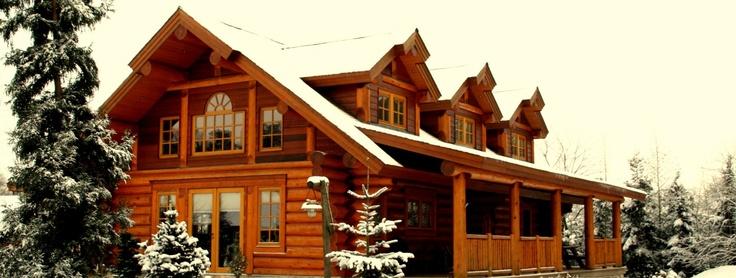www.lakecountrylog.com Handcrafted Western Red Cedar Log Cabin Home