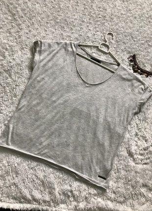 Kup mój przedmiot na #vintedpl http://www.vinted.pl/damska-odziez/bluzki-z-krotkimi-rekawami/17796496-szary-koszulka-house-basic-rozmiar-xl
