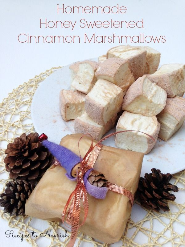 Homemade Honey Sweetened Cinnamon Marshmallows ... nostalgic + simply delicious ... Real Food marshmallows are so easy to make. They make a perfect, festive holiday gift too! | Recipes to Nourish
