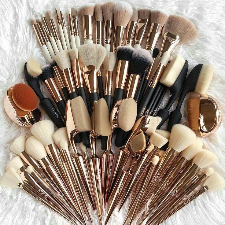 حلم كل فتاة مع ضد فولو لايك كومنت الامارات مول السعودية جدة الاردن السعوديات مكياج م Luxury Makeup Pinterest Makeup Makeup Cosmetics