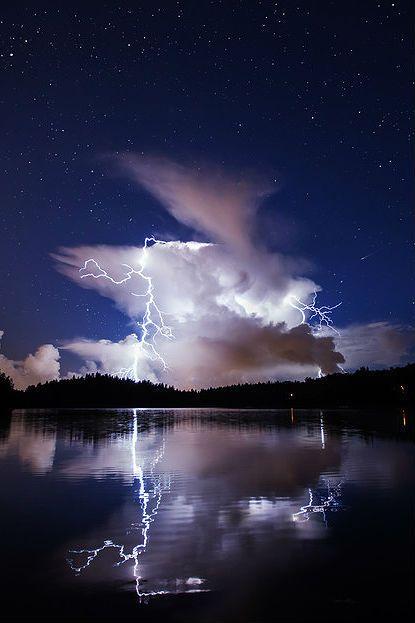 ✯ Lake Lightning, Finland
