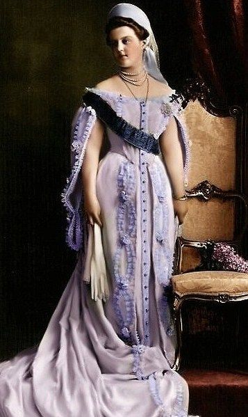 Grand Duchess Maria Pavlovna the Younger (1810 – 1958) in her official dress to the Russian Imperial Court. Circa  1908. #Russian #history #Romanov