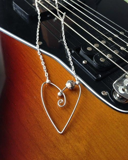 Guitar String Jewelry http://dishfunctionaldesigns.blogspot.com