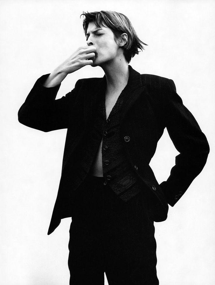 Linda Evangelista photographed by David Sims for Harpers Bazaar May 1993