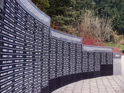Who Designed The Vietnam Wall who designed the vietnam wall Vietnam War Memorial Too Many Namesoregon Venango County