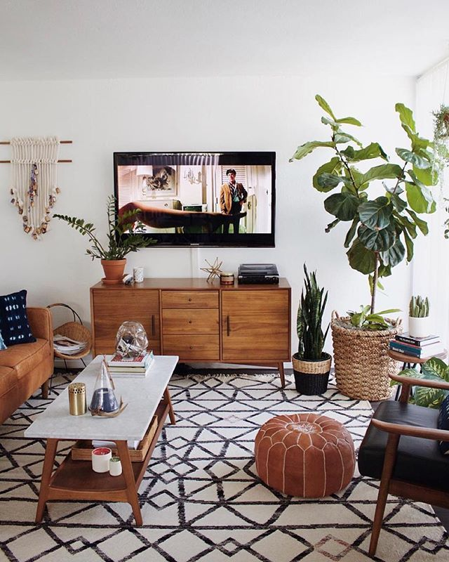 Clean. Bright. Yes. @newdarlings #UOHome