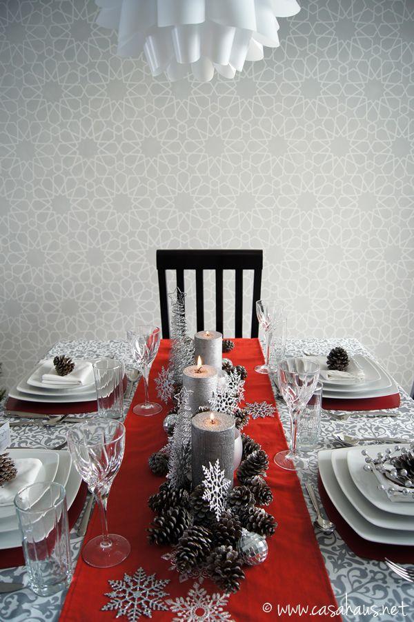 Christmas dinner table. Mesa de Navidad.