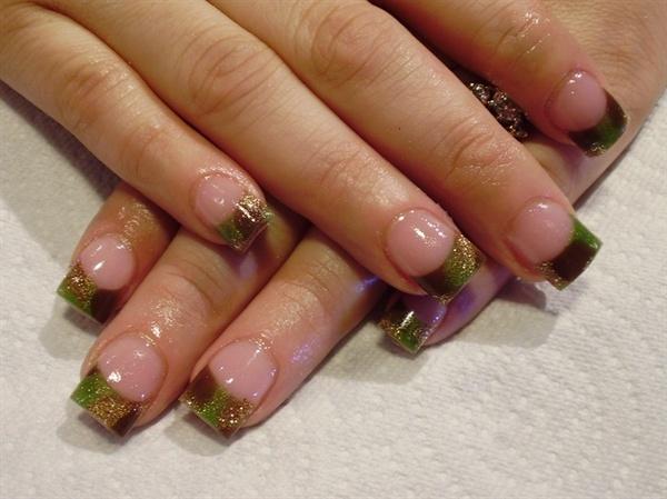 Art mossy oak nails