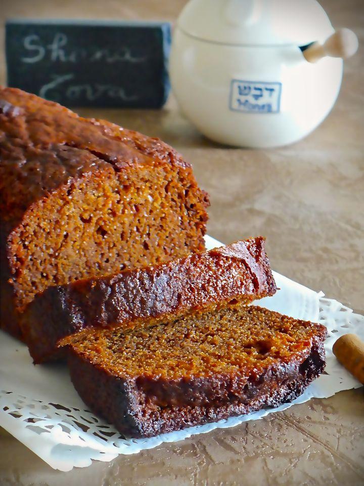 Honig Lekach (gâteau allemand au miel traditionnellement servi pendant la fête de Rosh Hashana ou après le jeûne de Yom Kippour)