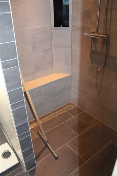17 beste idee n over grijze tegels op pinterest metro tegels metrotegels en moderne badkamers for Idee betegelde toiletruimte