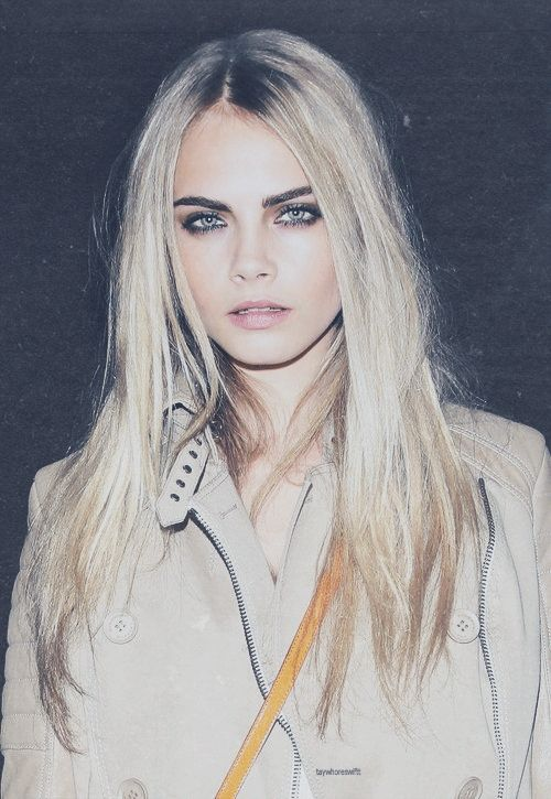 Cara Delevingne #BlondHair #DarkBrows