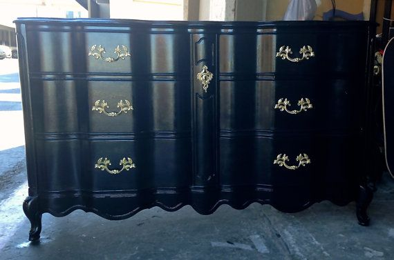 Black And Gold High Gloss French Provincial Bassett
