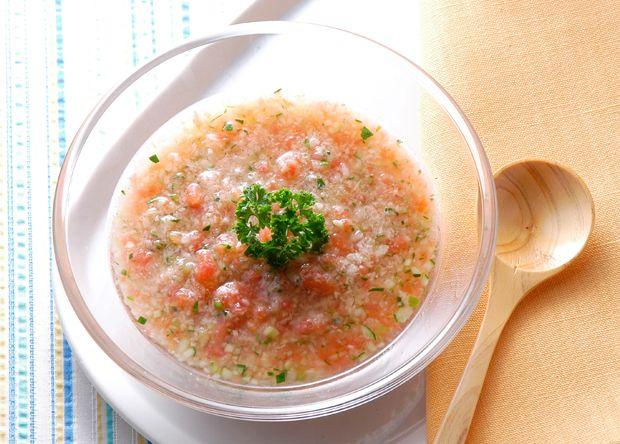= 243 = 「ガスパチョ - 粗め -」 砕きぐらい 加える素材で 楽しめるスープですね♪  ガスパチョ♡ ※ 酵素を摂取することでの 身体の冷え・寒さ が気になるカタは = 241 =を ご参考にしてみてください