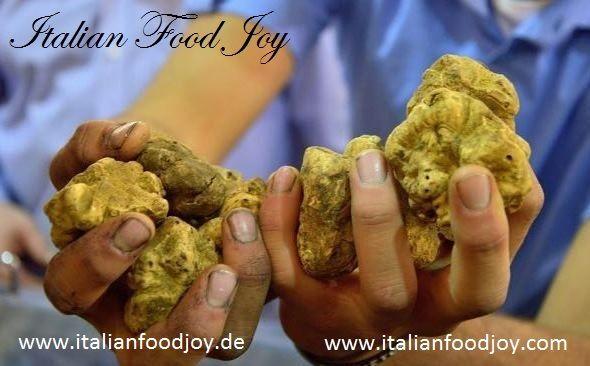 #Weiße Trüffel und #schwarze #Trüffel aus Alba, #Italien: Die #besten gefangen #frischen #Trüffel und nur während der besten Jahreszeit zu Ihnen nach Hause geliefert. #Italian #Food Joy www.italianfoodjoy.de fur D und AT www.italianfoodjoy.com for UE