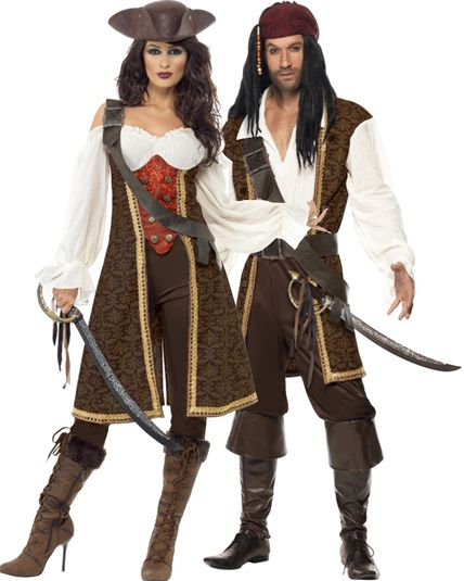 les 25 meilleures id es concernant costumes de pirate pour femme sur pinterest costumes de. Black Bedroom Furniture Sets. Home Design Ideas