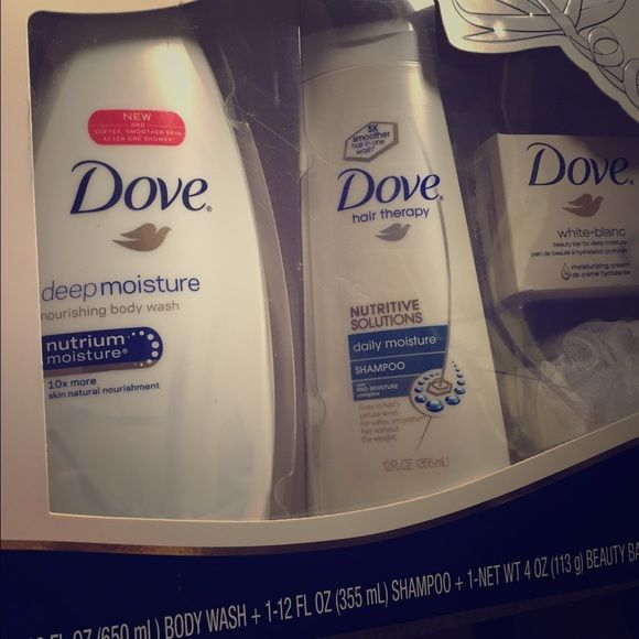 Dove gift set. Body wash, shampoo, loofa, and soap Only opened to smell- never used! Great deal!! You will love love love it Accessories