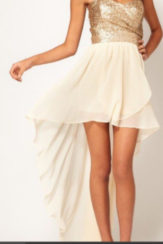 I don't usually like high low stuff but this is soo pretty! I want it!!!!!