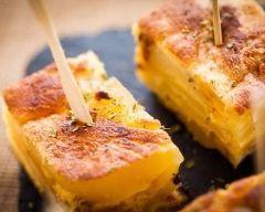 tortilla de patatas : http://www.cuisineaz.com/recettes/tortilla-de-patatas-79487.aspx