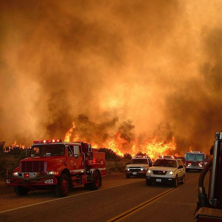 FEATURED POST  @epn560 -  #TBT July 11th 2006 the Sawtooth Fire in Pioneertown Ca pushes resources out due to extreme rate of spread. Photo By Mary Markley of Yucca Valley Ca.  ___Want to be featured? _____ Use #chiefmiller in your post ... . CHECK OUT! Facebook- chiefmiller1 Snapchat- chief_miller Periscope -chief_miller Tumblr- chief-miller Twitter - chief_miller YouTube- chief miller .  #fire  #firetruck #firedepartment #fireman #firefighters #ems #kcco  #brotherhood #firefighting…