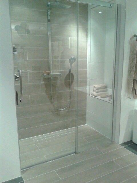 Ze voudrais bien que mon papa refasse ma salle de bain ;)