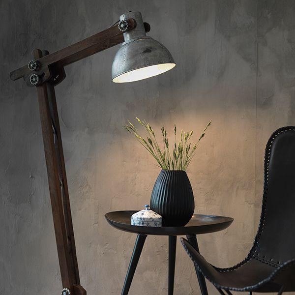 Svårt att välja vilken som är min favorit från Fuhr Home Amazon skinnfåtölj? Copenhagen golvlampa? Eller kanske Beijing soffbord? Snygga är de allihop!  #fuhrhome #fråga #homebysweden #heminredning #design #designklassiker #inredningsdetalj