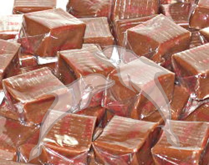 24 caramelos •  2 tazas de leche •  4 barritas de chocolate rallado •  2 tazas de azúcar molida •  1 cucharada de miel •  25 g de...