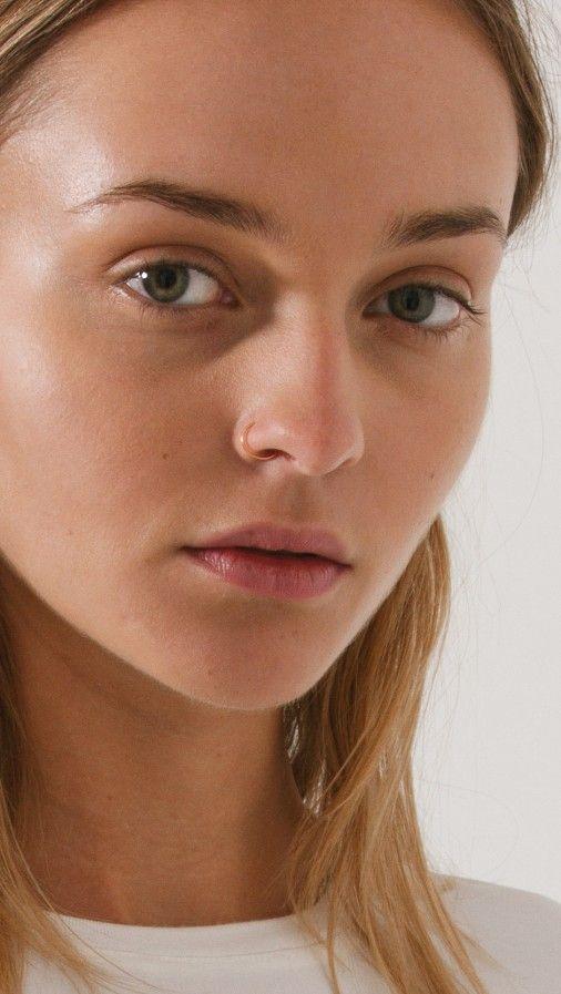 Best 25+ Hoop nose piercing ideas on Pinterest   Nose ...