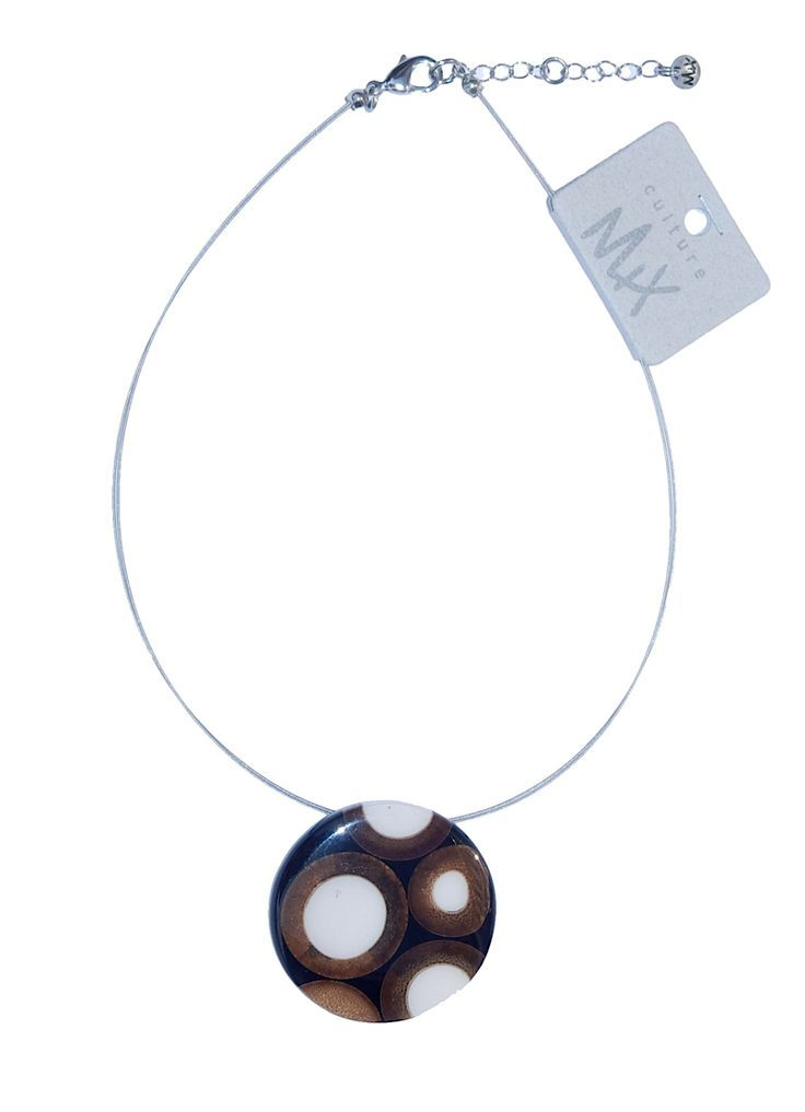 Colourful necklace in black, made of resin and bamboo.
