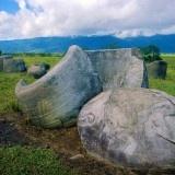 Agro Wisata Lembah Napu di Poso   Salah satu Pesona Alam Obyek Wisata di Sulawesi yang masih alami adalah lembah Napu Poso. Daerah Napu yang berjarak sekitar 2 jam perjalanan darat dari kota Palu memilki potensi agro wisata yang besar.
